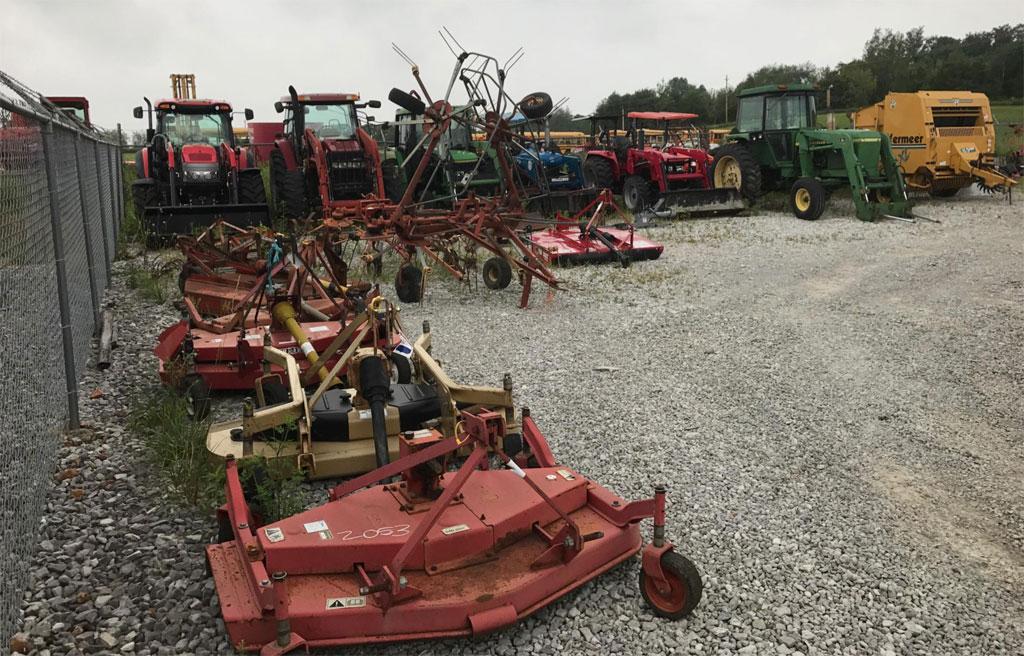 auction tractors